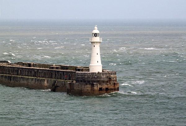 Farol do porto de Dover