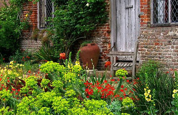 Jardins floridos da região de Kent, na Inglaterra