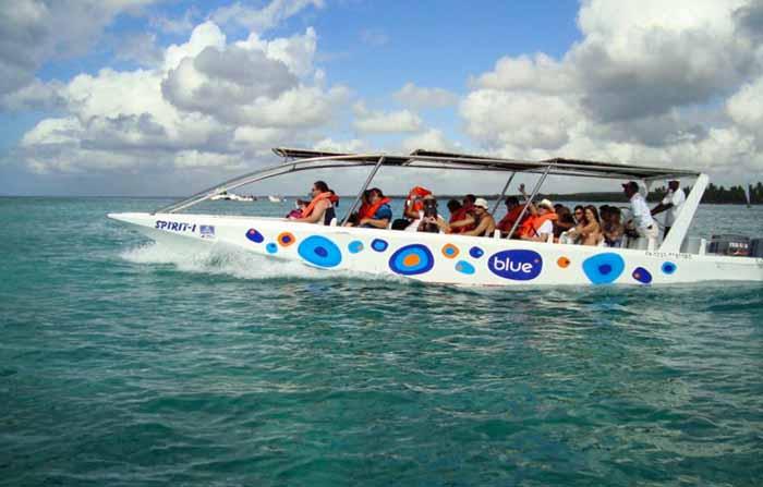 Lancha para a Ilha de Saona, em  Punta Cana