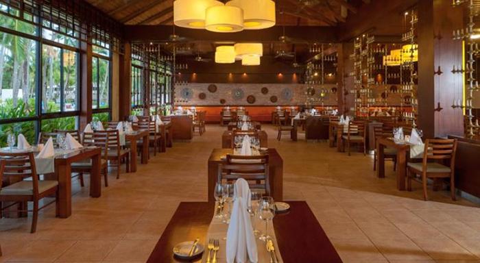 Um dos seis restaurantes do hotel Bavaro Princess