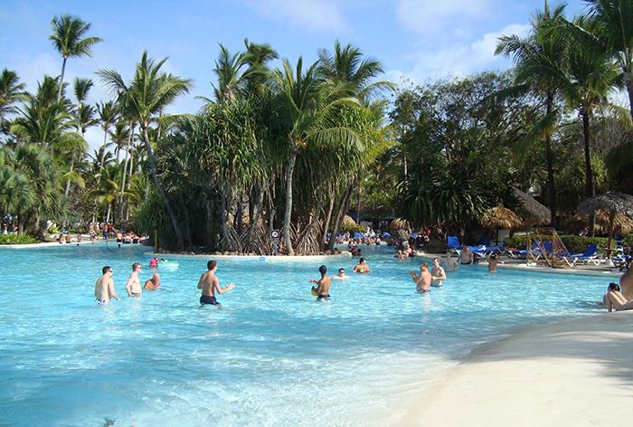A piscina do Bavaro Princess Hotel, em Punta Cana