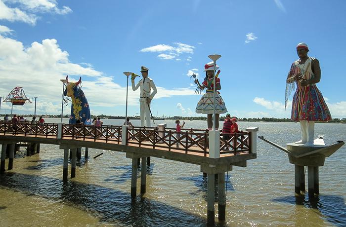 As esculturas têm 7 metros de altura