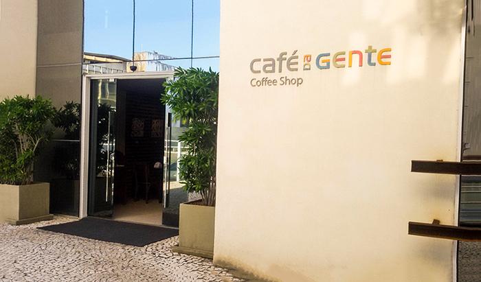 o charmoso Café da Gente - lanchonete e restaurante nos fundos do museu