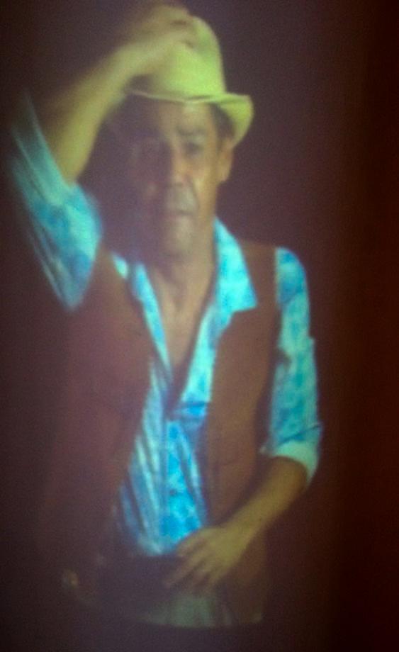 o ator Pierre Feitosa interpreta o vendedor