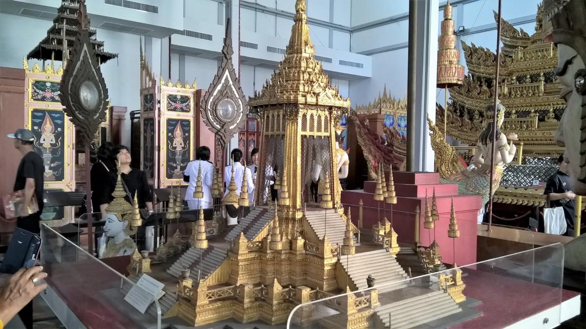 maquete do crematório real, para o funeral do Rama VI