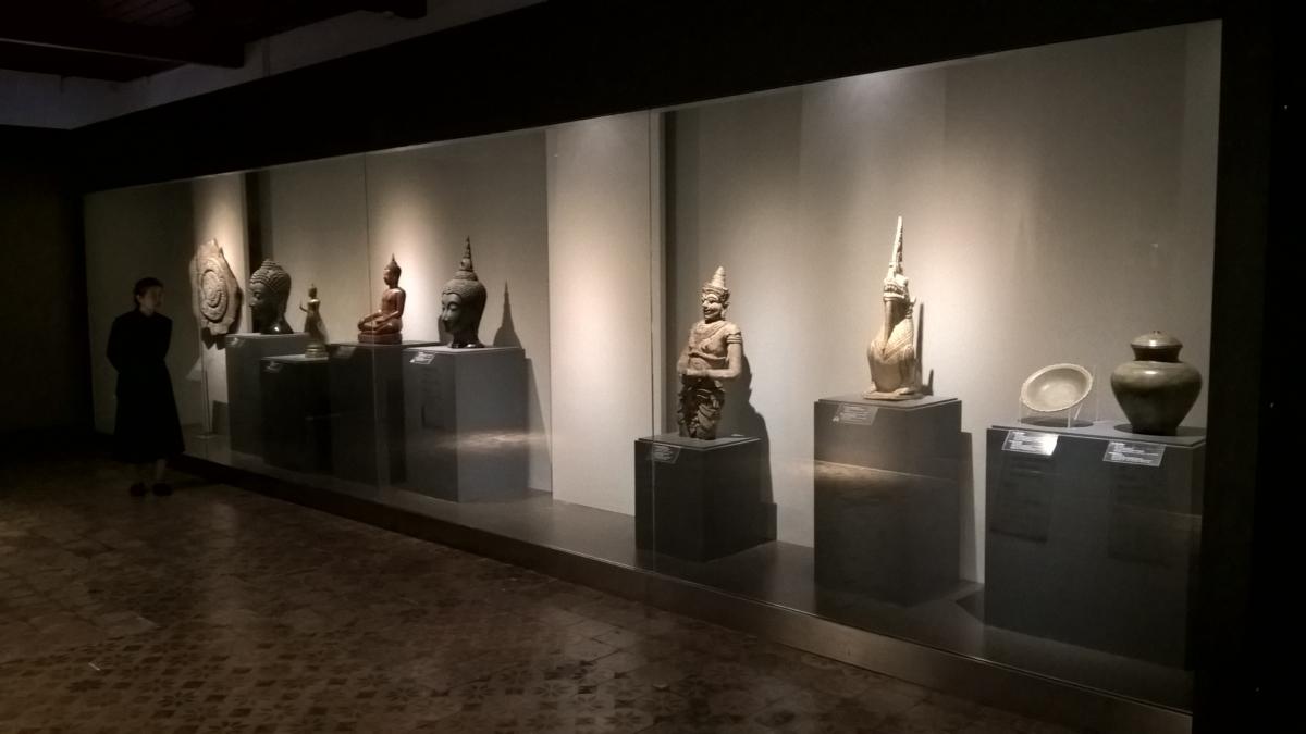 Miniatura de Budas e deuses
