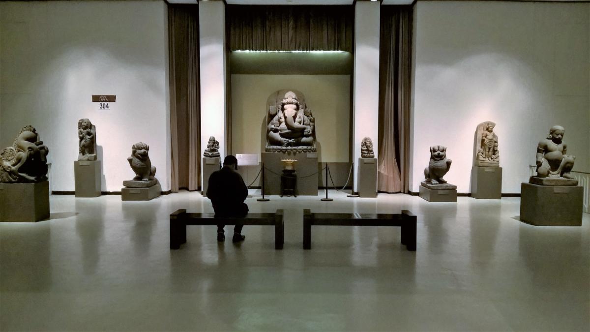 Ganesha e outras divindades