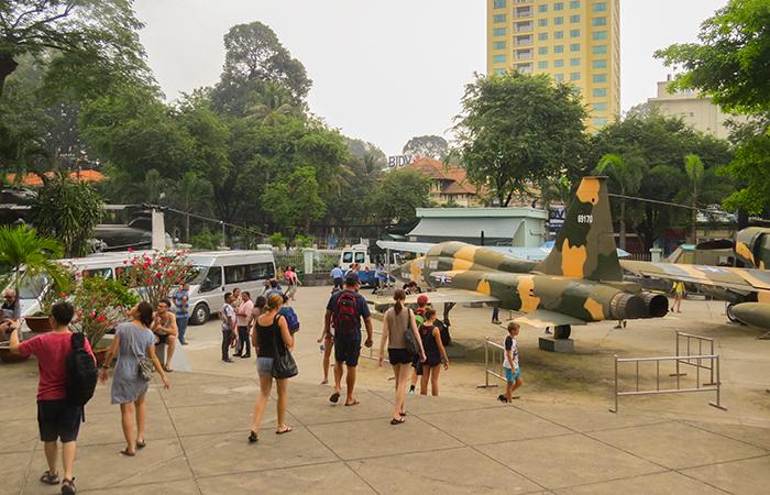 Museu-dos-Vestígios-de-Guerra-aviões-de-combate