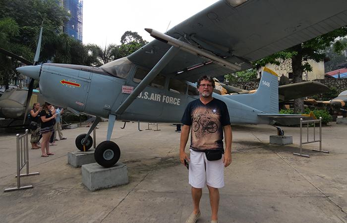 Museu-dos-Vestígios-de-Guerra-aviões