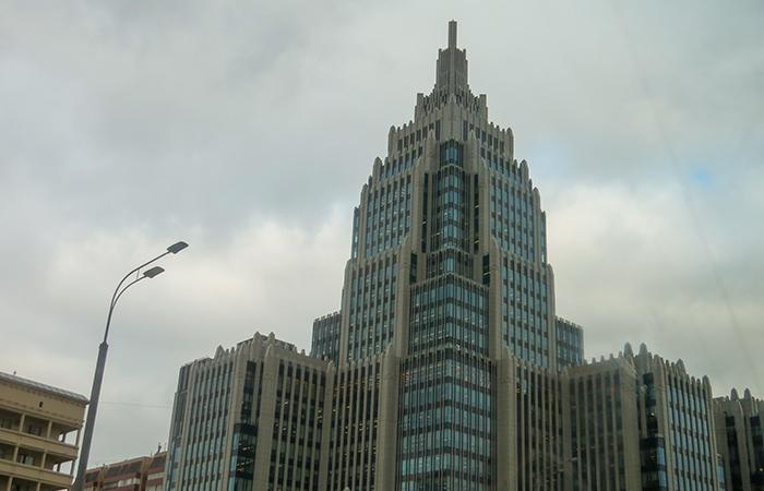 """Grande assim, este prédio, certamente, é da """"era stalinista"""""""