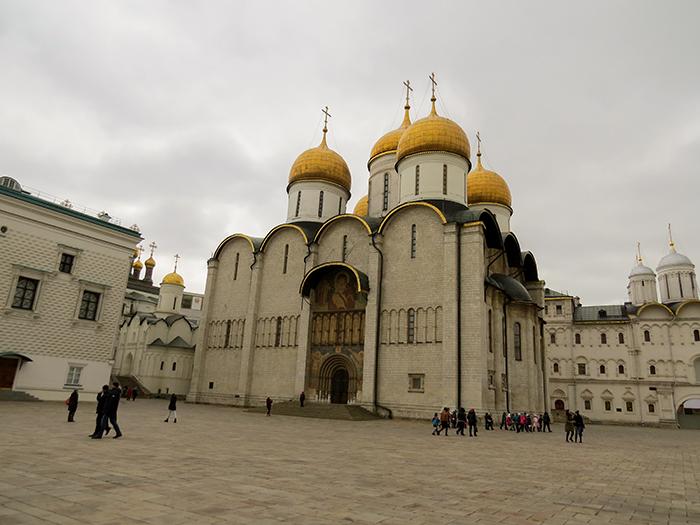 A Catedral da Assunção guarda os restos mortais de Hermogenes, o patriarca, que morreu em 1612