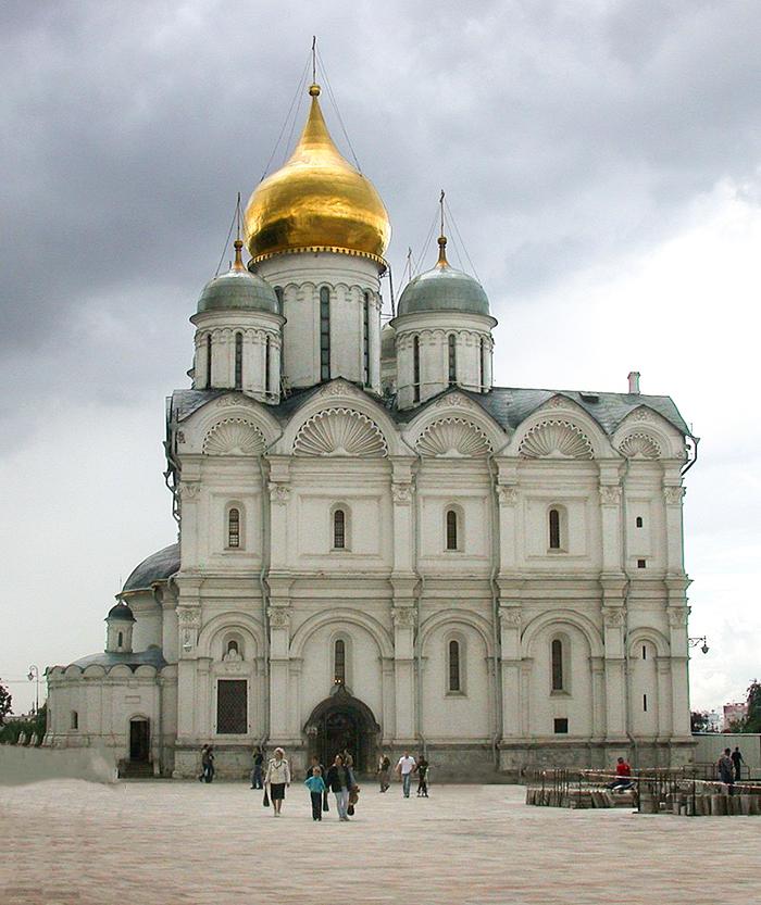 Na Catedral do Arcanjo estão os túmulos de Ivã, o Terrível, e do seu filho
