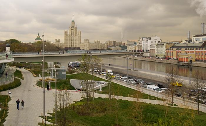 Moscou_o_parque_e_uma_das_sete_irmãs
