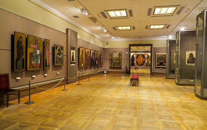 Salão da Galeria Tretyakov com ícones