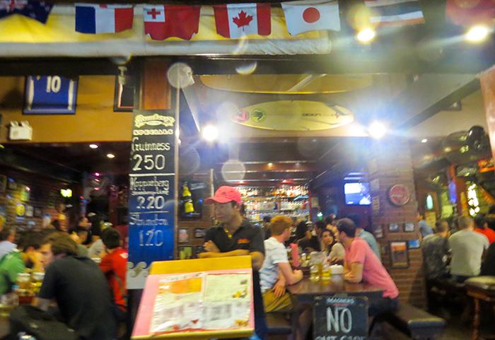 Um dos muitos restaurantes tailandeses espalhados pela ilha