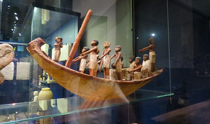 Modelo de barco funerário
