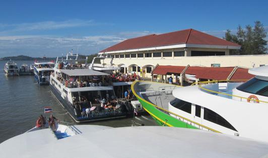 Rassada Pier, em Phuket