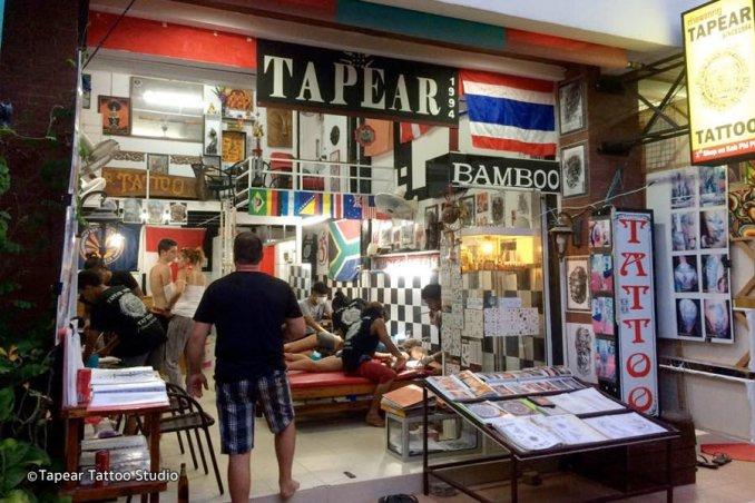 Tapear Tatoo é o estúdio de tatuagem mais antigo de Phi Phi