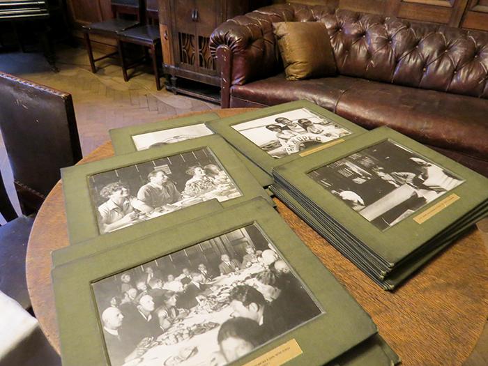Amigos e família preservados em álbuns e porta-retratos