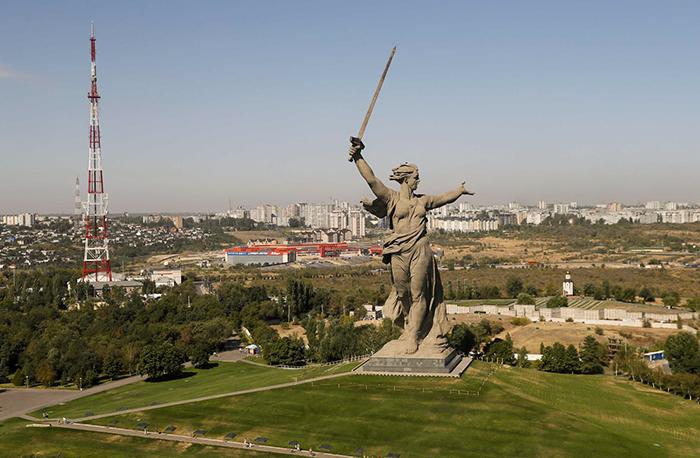 Estátua da Pátria Mãe é símbolo da vitória soviética em Stalingrado