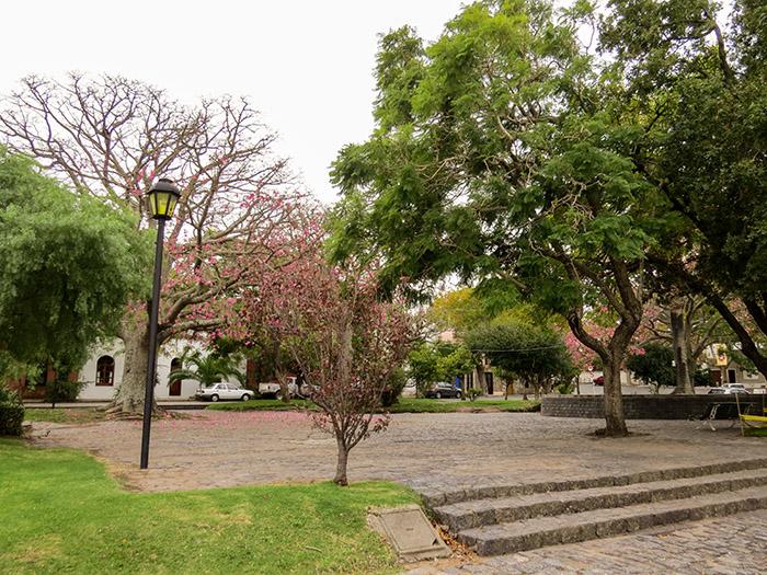 Uma praça de Colonia del Sacramento
