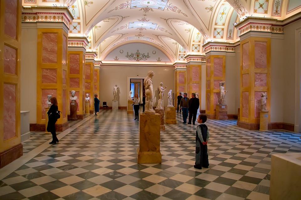 UM dos lindos e grandes salões do Hermitage