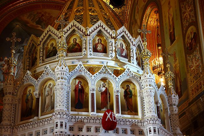 O altar com a iconostase