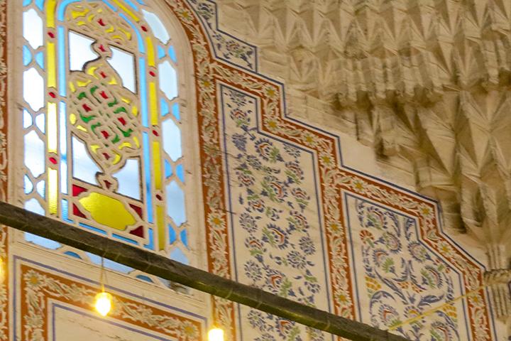 Istambul-Mesquita-Azul-azulejos-e-vitrais