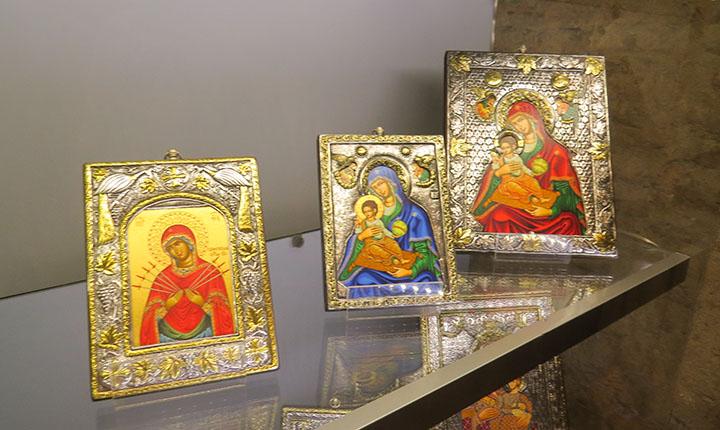 Os ícones são encontrados nas lojinhas dos museus