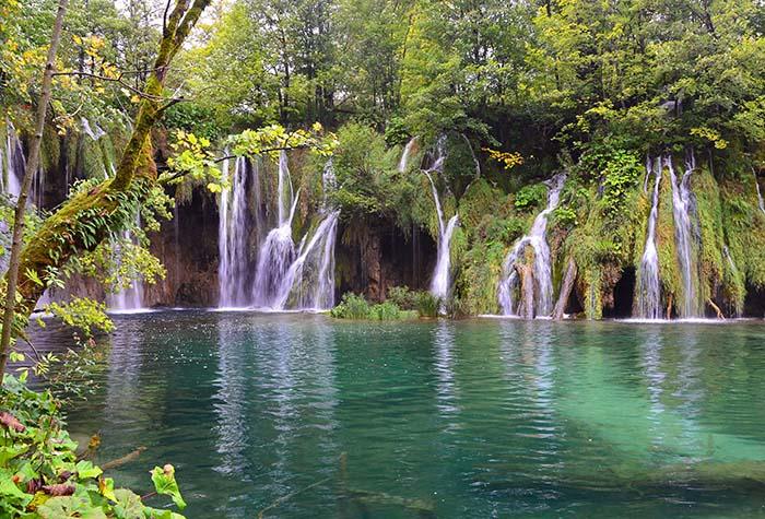Lago Plitvice, na Croácia