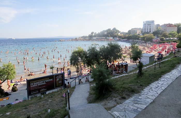 Bačvice Beach, em Split, na Croácia