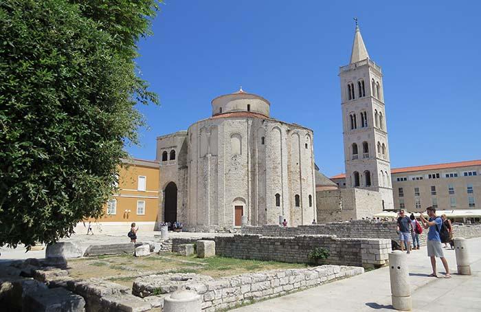 Fórum Romano e Igreja de São Donato, em Zadar, na Croácia