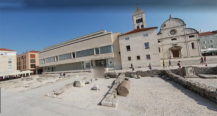 Igreja de Santa Maria, Museu Arqueológico e Museu de Arte Sacra, em Zadar, Croácia