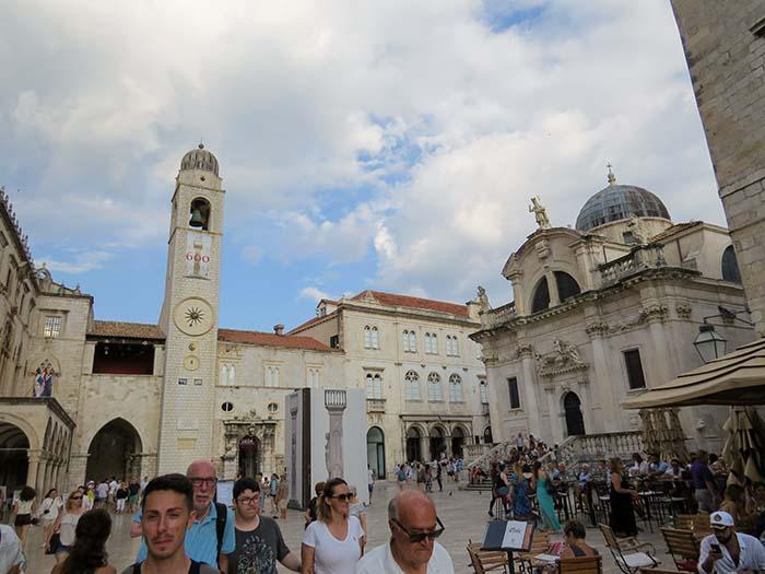 Torre do Relógio, Igreja de São Blásio e a Praça da Galeria, em Dubrovnik, Croácia