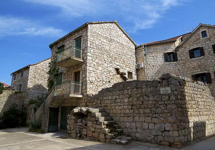 Stari Gradi, Croácia