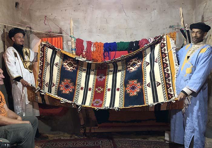 Tapetes artesanais, no Marrocos