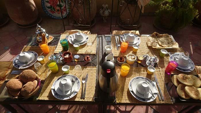 café da manhã do Riad Zarka, em Marrakech, no Marrocos