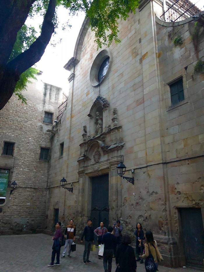 Plaza de Satn Felip Neri, no Bairro Gótico, em Barcelona