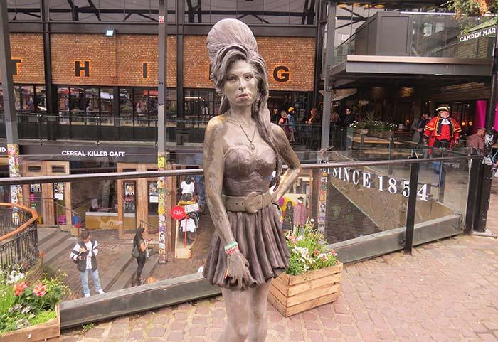 Amy Winehouse, em Covent Garden