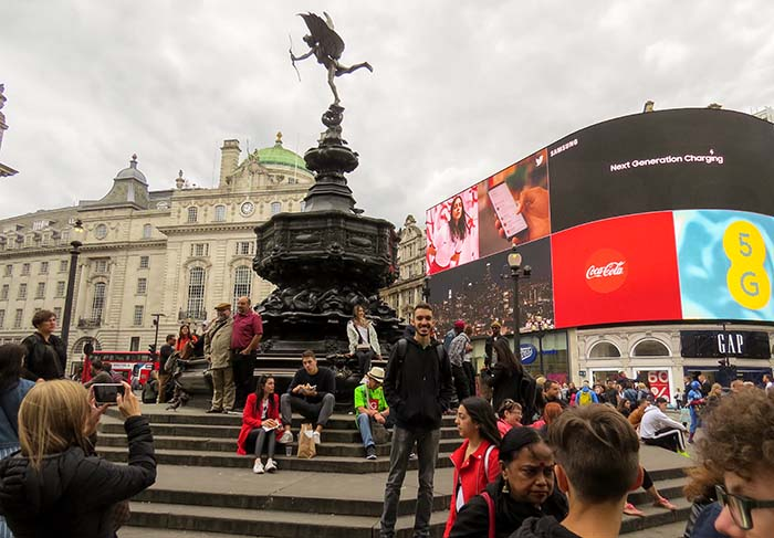 Piccadilly Circus, em Londres