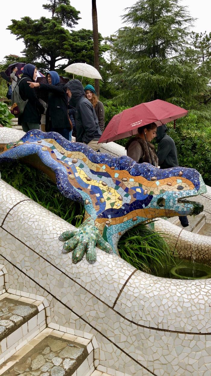"""""""El Drac"""", conhecida por """"A Salamandra"""", no Parc Güell"""