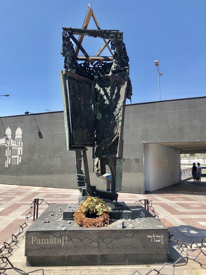 Patämaj - monumento ao Holocausto, em Bratislava