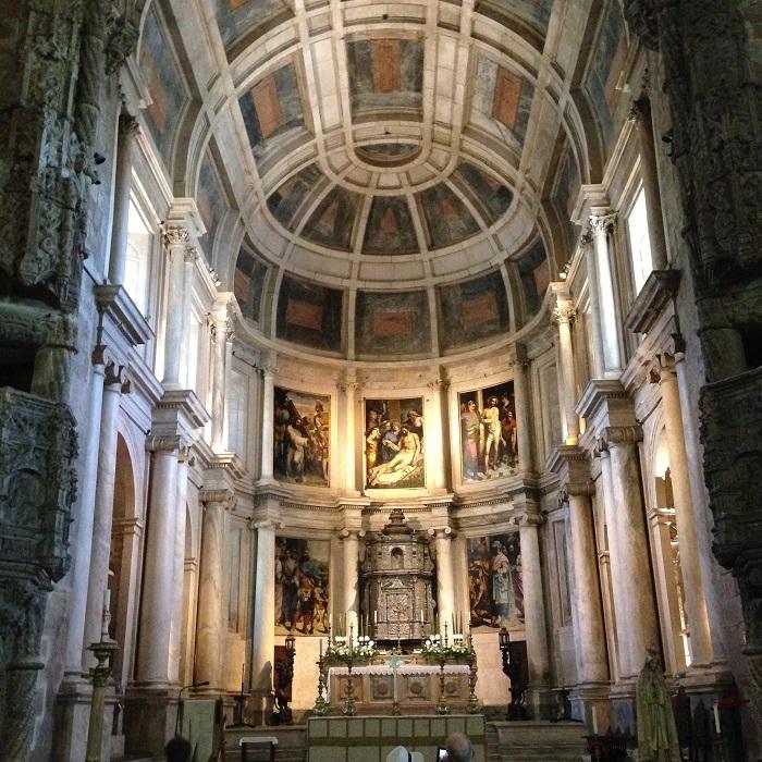 A magnífica abóbada Mosteiro dos Jerônimos encanta os visitantes