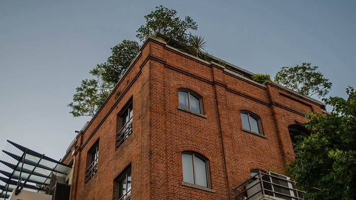 Os antigos galpões de tijolos vermelhos, hoje transformados em restaurantes sofisticados em Puerto Madero