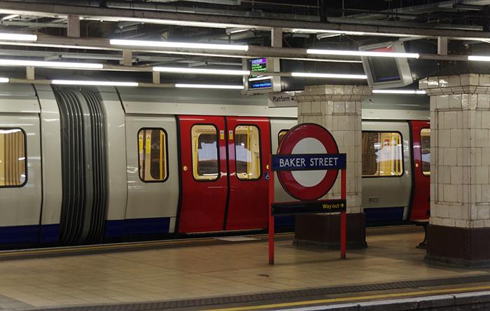 Estação de metrô, em Londres, no Reino Unido