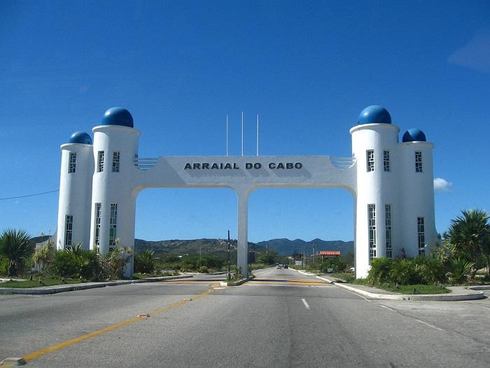 Portal de entrada para Arraial do Cabo
