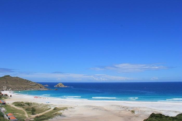 A beleza estonteante da Praia Grande em Arraial do Cabo