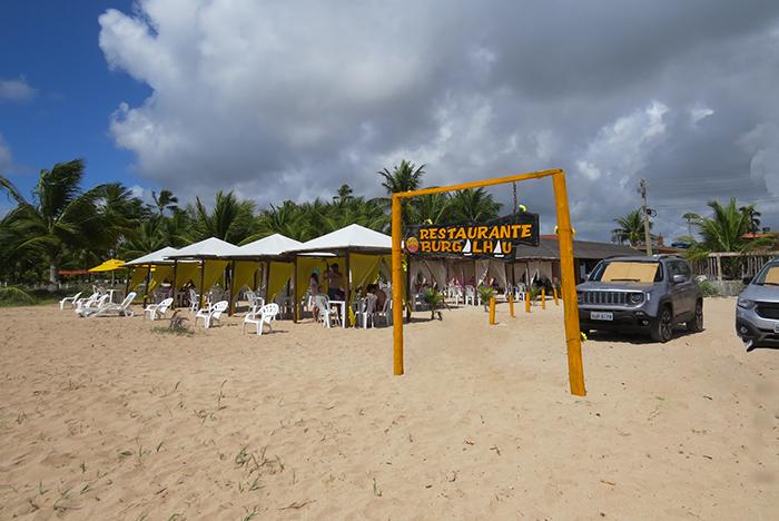 Praia de Burgalhau, em Maragogi, Alagoas