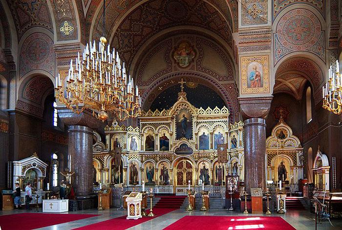A iconostase da Catedral Uspenski