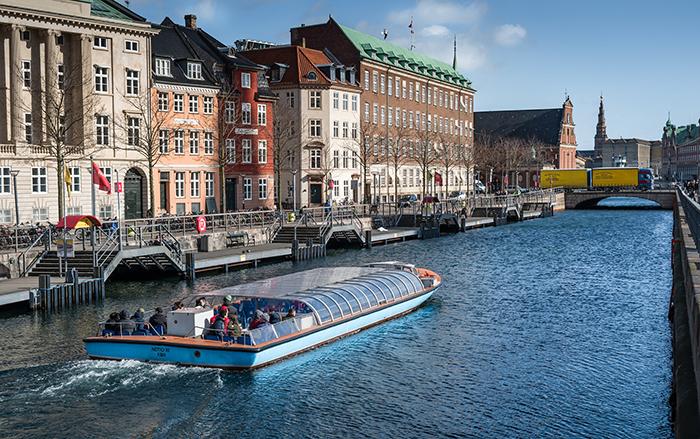 Passeio de barco em Copenhague, Dinamarca